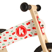 A Kurve Icon Balance Bike